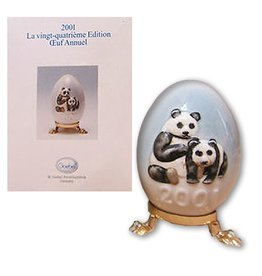 Goebel 2001 24th Edition Annual Egg with Panda Bears