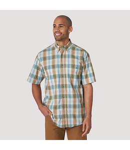 Wrangler Rugged Wear Short Sleeve Easy Care Plaid Button-Down Shirt RWBS1GN