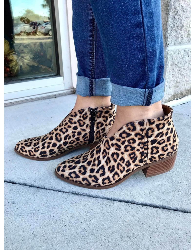 Qupid Rager Booties - Leopard