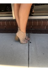 Qupid Brammer Booties - Taupe