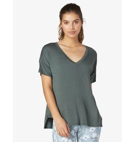 Beyond Yoga Beyond Yoga Side Splits V-Neck Tee Dark Tropic