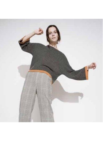 Kokun Wide Sleeve sweater