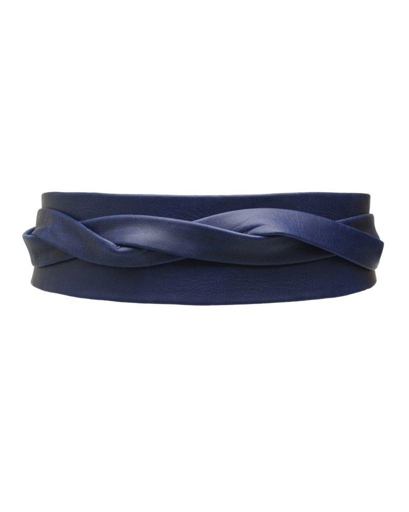 Wrap leather belt in Marine