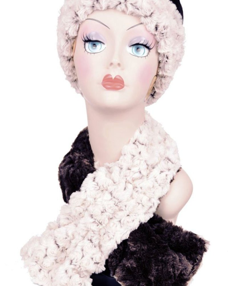 PULL THRU SCARF-CUDDLY FAUX FUR IN CHOCOLATE WITH ROSEBUD IN BROWN