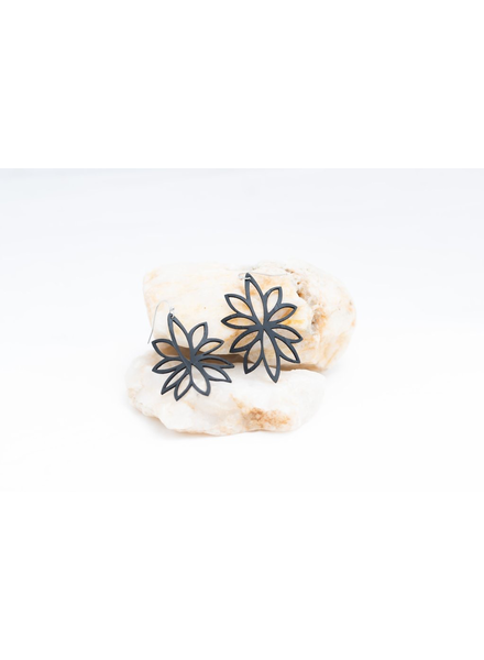 "verdigris Lotus reflection rubber earring 2"""