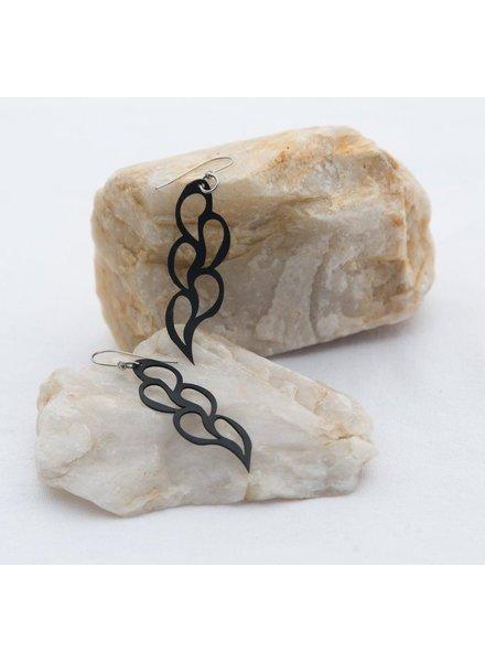 verdigris Short five leaf rubber earring