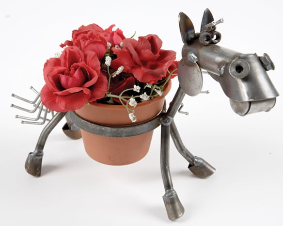 "Rare Earth Gallery Junkyard Pony, Feeder, Single 4"" Bowl"