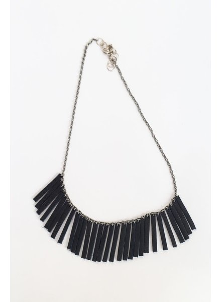 Flocktails Flocktails Donna Necklace - Black with silver chain