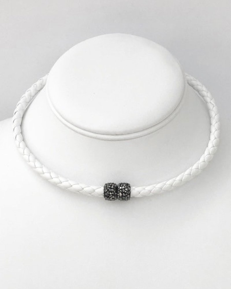 Bella Figlia Designs White magnetic choker