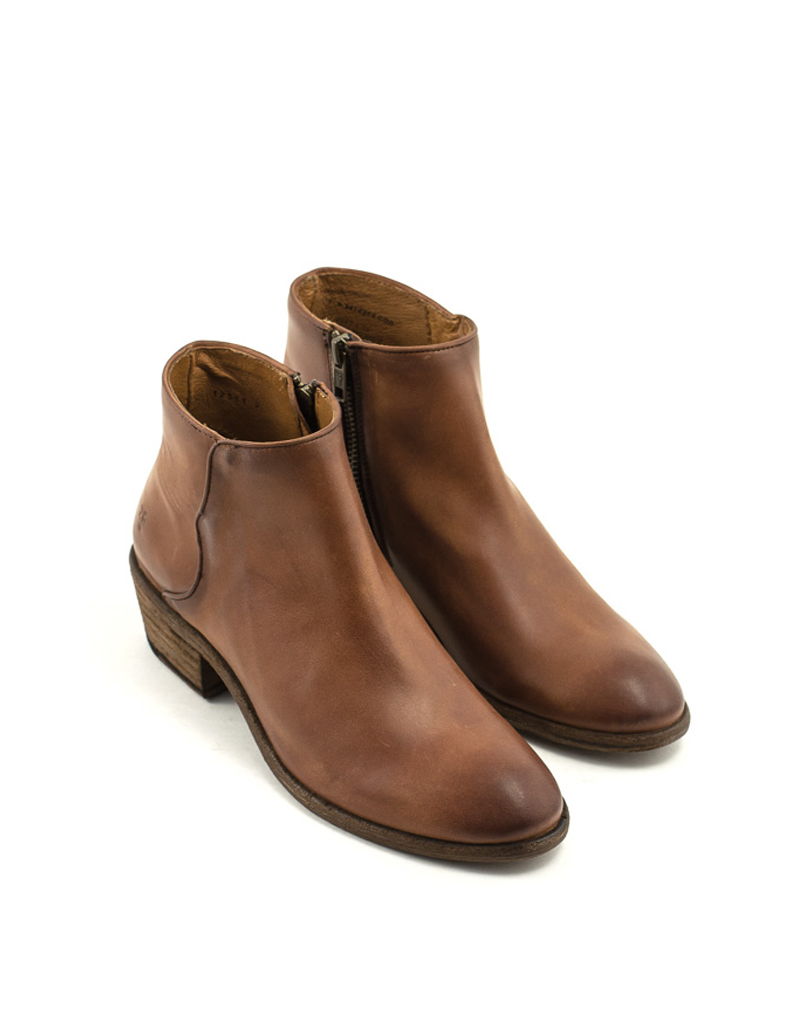 Frye Frye Carson Piping Bootie Cognac