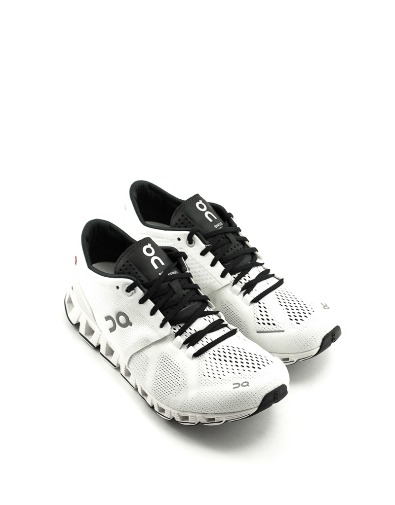 On On Cloud X Runner White/Black