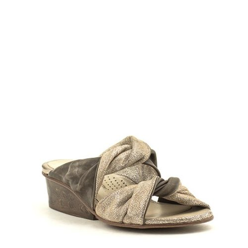 Unity In Diversity Unity In Diversity Ikaria Sandal Putty/Silver
