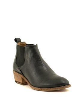 Frye Carson Chelsea Boot Black