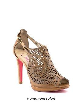 Chanii B Pine Shoe