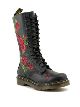 Dr. Martens Vonda Boot Black