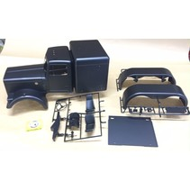 TAMIYA TRACTOR TRUCK 1/14 GRAND HAULER / KING HAULER  BODY MATTE METALLIC BLACK EDITION. COMPLETE WITH REAR GUARDS AND INTERIOR.<br /> Does not include floor pan, chrome parts, lights or wiindows. PARTS SUPPLIED ARE AS PER PHOTO
