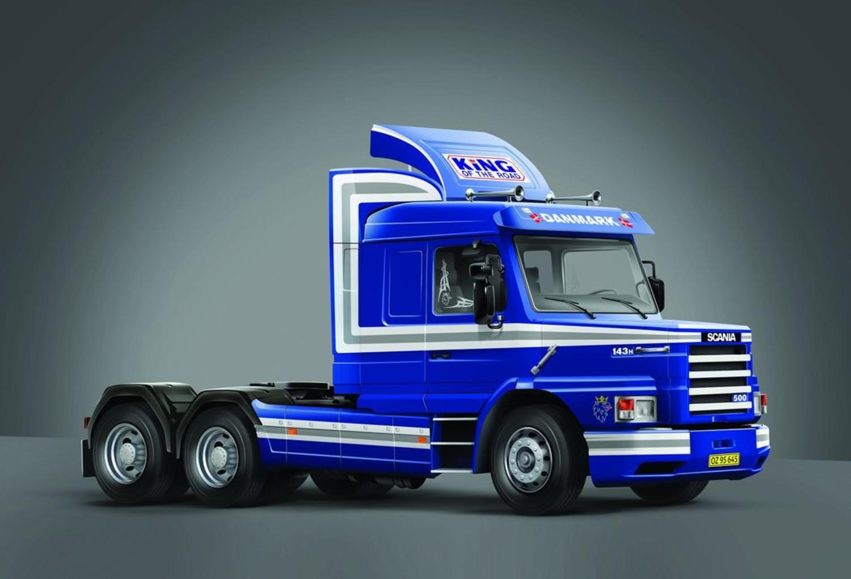 Italeri 3937 1//24 Scale Model Kit Scania T143H 6x2 Bonneted Cab Truck 500