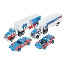 Auto World Racing Rigs Petty 2 Pk Trck/Trlr Rel 9  ( PACK INCLUDES 1 CAR & 1 TRACTOR TRUCK )  CHOICE OF DODGE CHARGER OR PLYMOUTH  VERSION OF RACE CAR