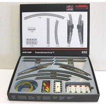 8192 Marklin Z TRACK EXTENSION SET T1 with electric turnout
