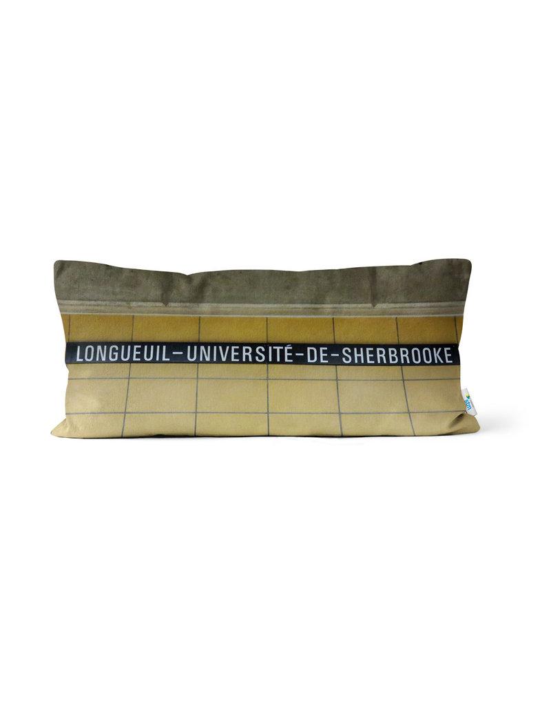 Pillow - Longueuil-Université-de-Sherbrooke station