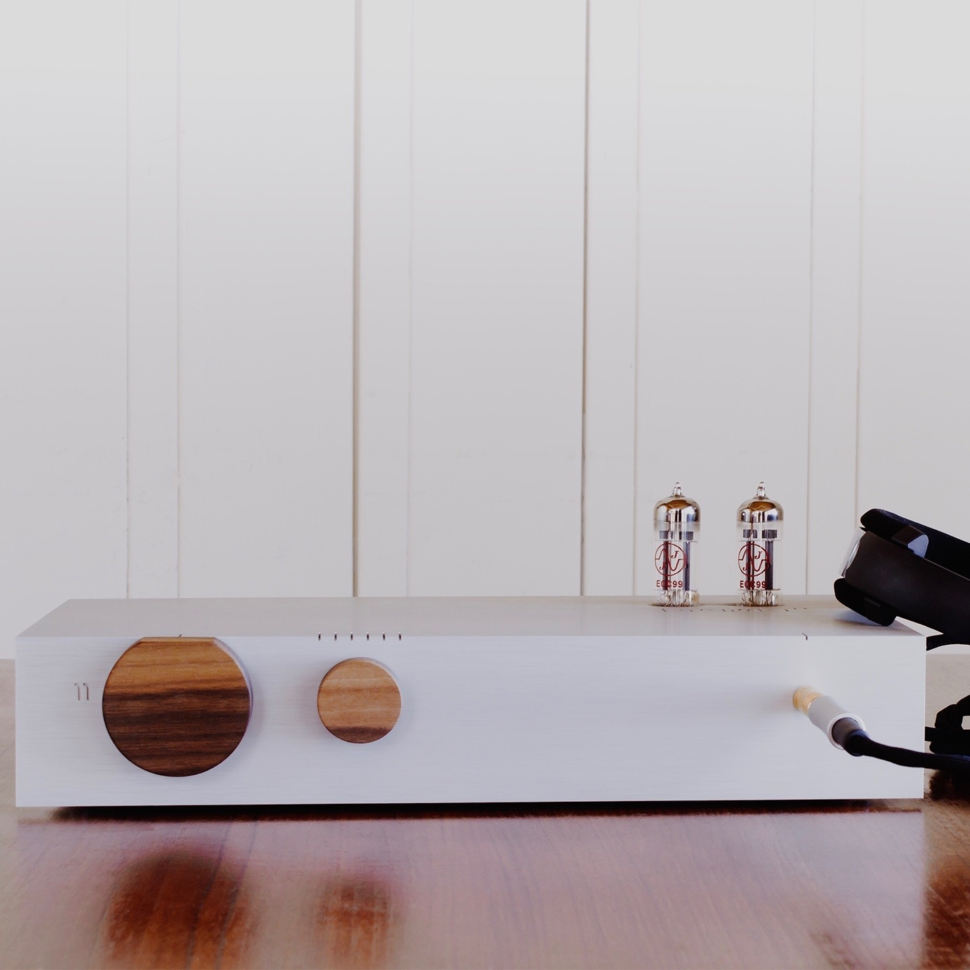 Billie Integrated Hybrid Amplifier with Walnut Knobs