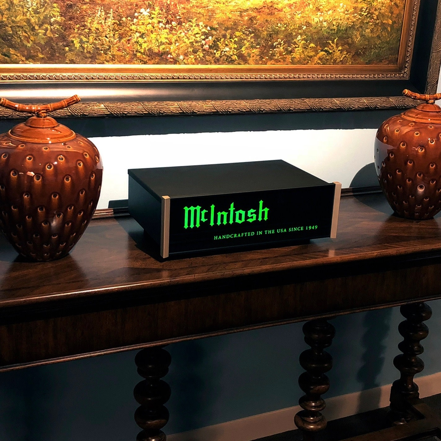 McIntosh LB100 Light Box