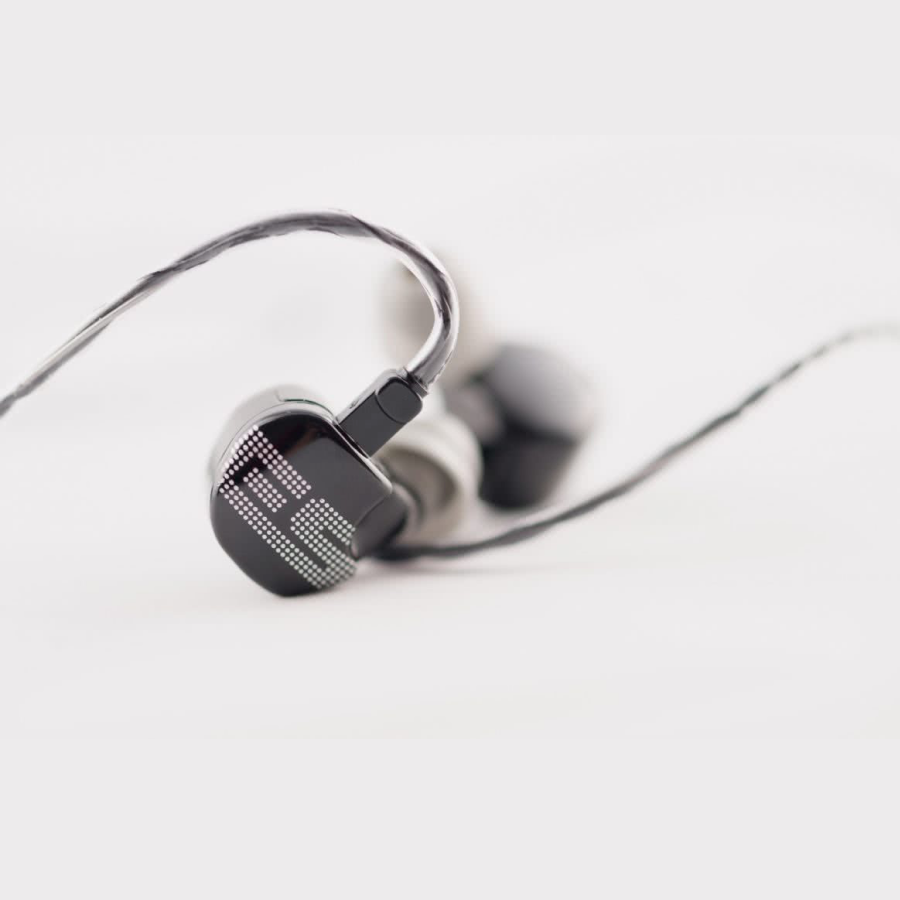 Earsonics S-EM9 In-Ear Headphones