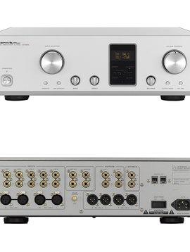 Luxman Control Amplifier C-700u