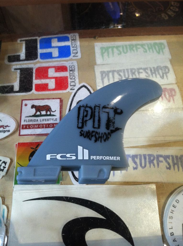 FCS FCS II Performer GF Tri Set Medium Pit Surf Shop Edition Surfboard Thruster Fins