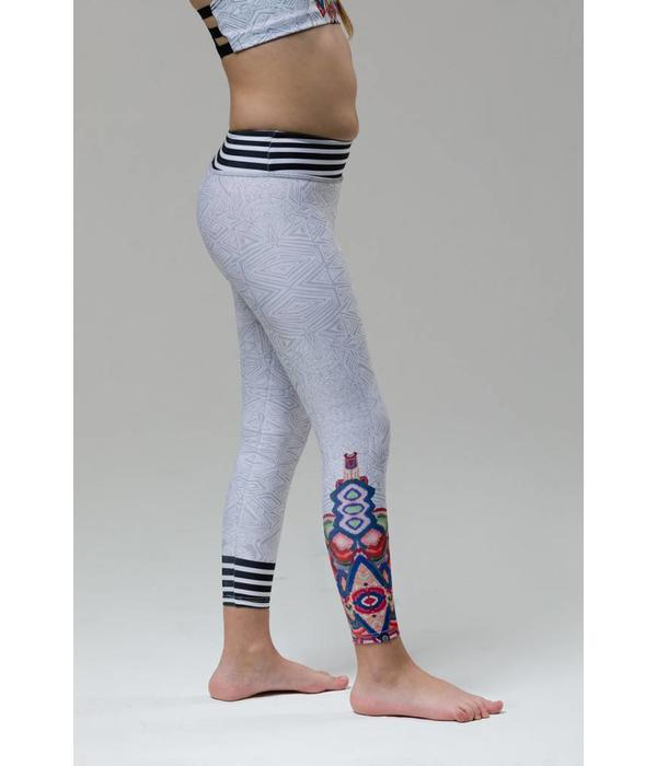 GRAPHIC LEGGING - EMBROIDERY