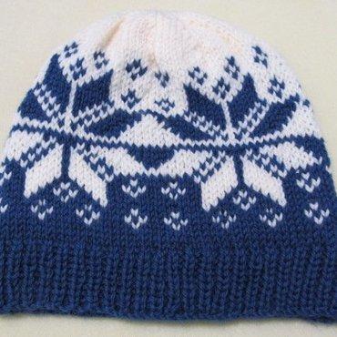12/17 10a-1p Snowflake Hat