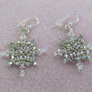 2/25 6-9pm Sparkling Snowflakes Earrings
