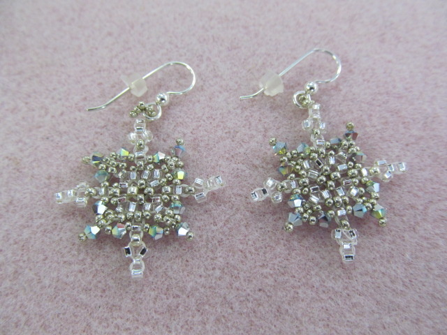 3/13 6-9pm Sparkling Snowflakes Earrings