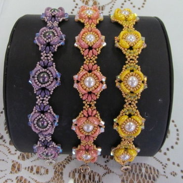 9/23 6-9pm Blooming Buds Bracelet