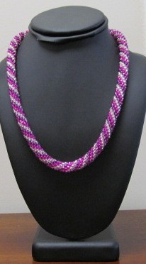 8/16 10a-1p Bead Crochet Necklace