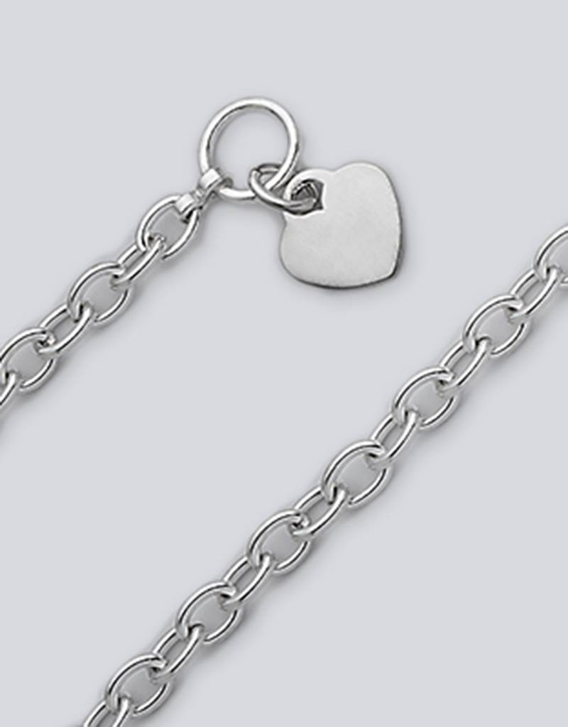 Oval Link 250 Heart Bracelet