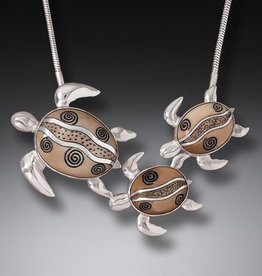ZEALANDIA Turtle Family Necklace