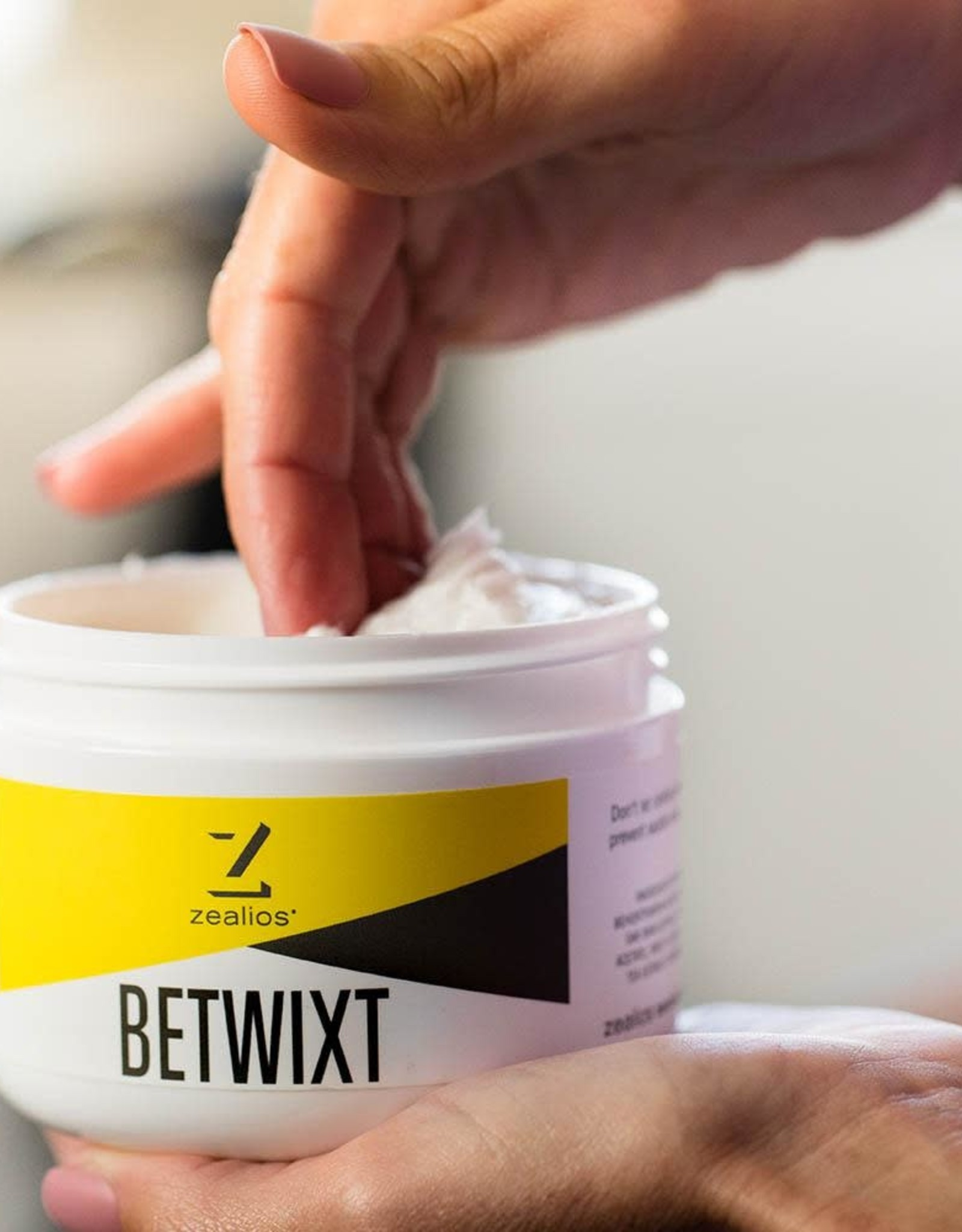 Zealios Betwixt Chamois Cream 8oz