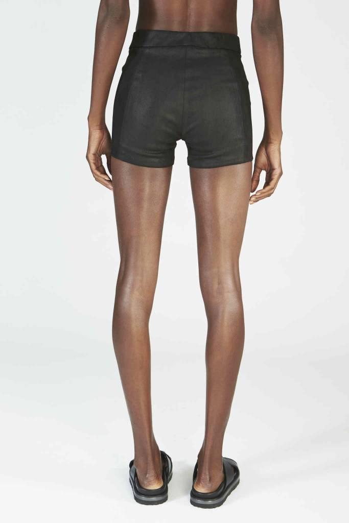 ISABEL BENENATO Isabel Benenato Leather Shorts