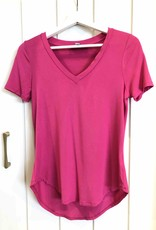 KATHERINE BARCLAY Tee-shirt col en v