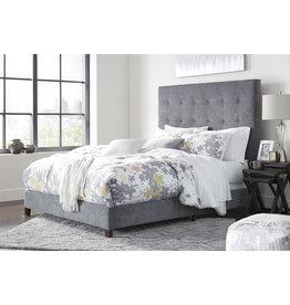 Signature Design QUEEN GRAY (new) B130-881 Dolante Upholstered Bedframe