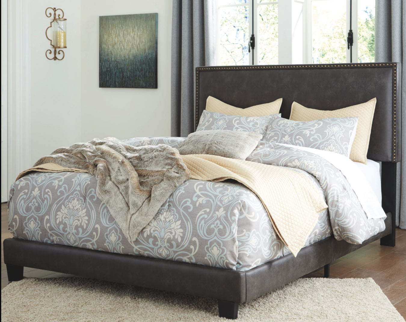 Signature Design KING DARK GRAYISH-BROWN B130-082  Complete Bedframe