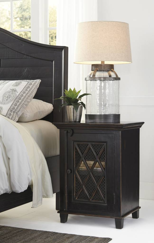 Signature Design Charlowe Night Stand - Black B013-191