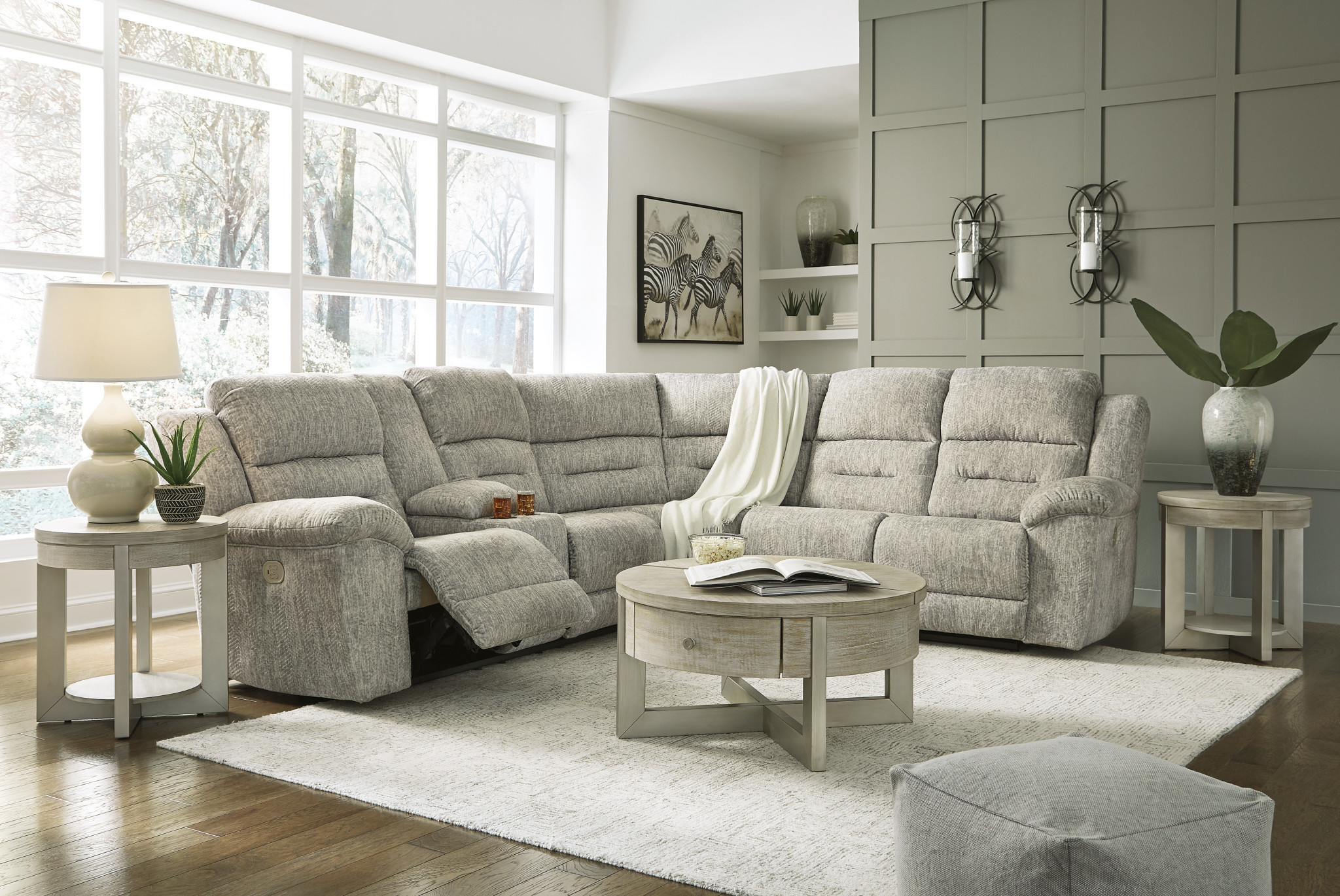 """Signature Design """"Family Den"""" 3 Piece Sectional Power Reclining w/ Adjustable Headrest and Console- 518 01/75/77"""