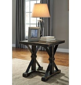Signature Design Beckendorf, Square End Table T096-2