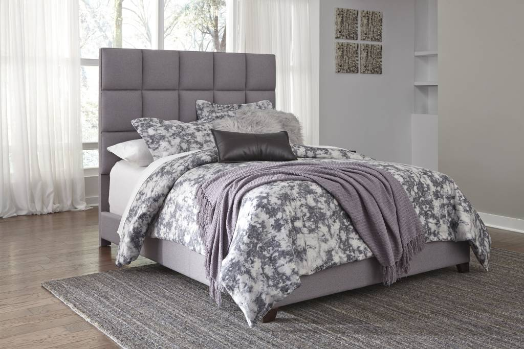 Signature Design QUEEN GRAY B130-381 Dolante  Upholstered Bed