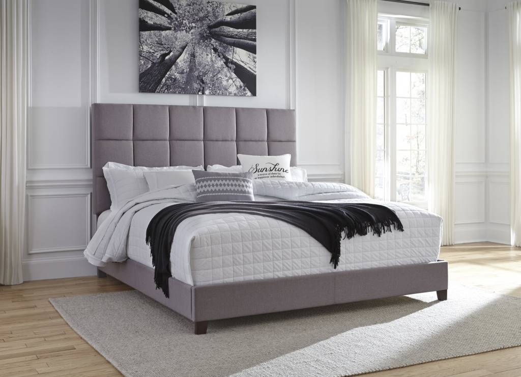 Benchcraft KING UPHOLSTERED BED- Gray B130-382