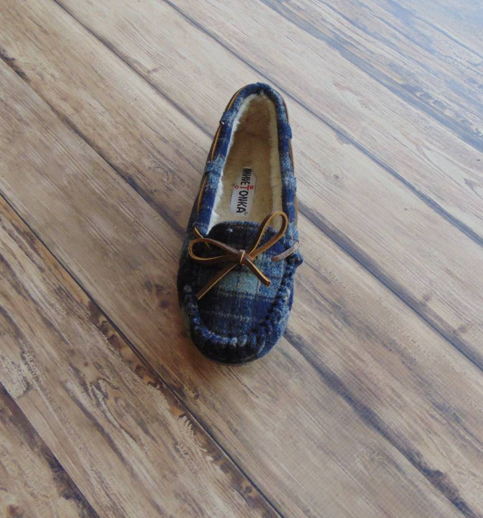 "MINNETONKA MOCCASINS ""Plaid Cally"" Slippers"