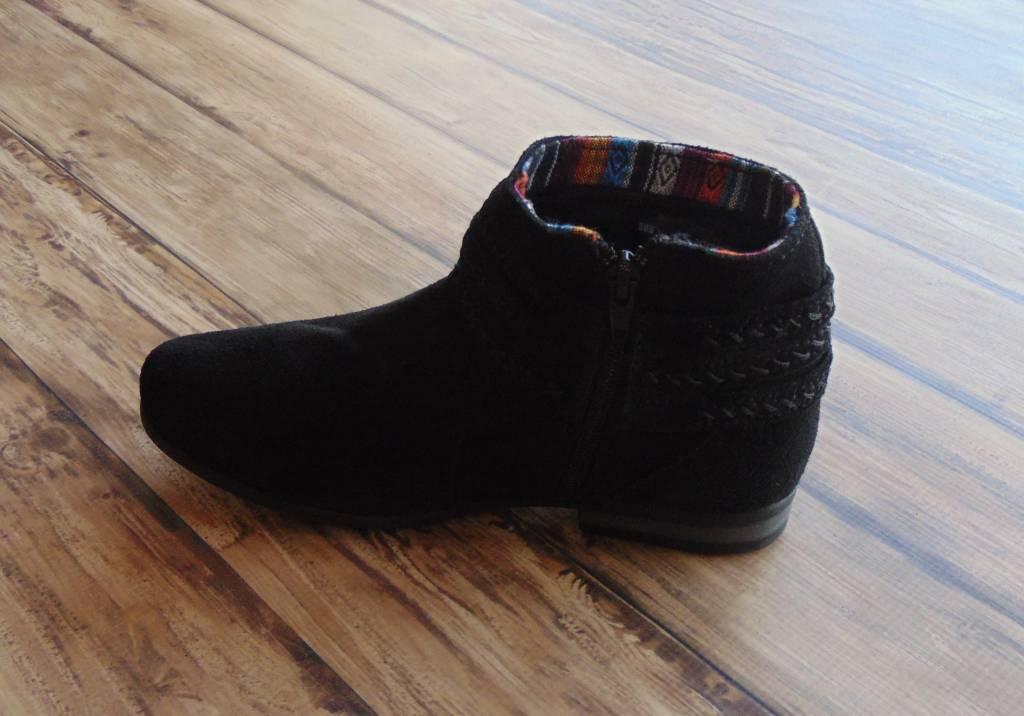 "Minnetonka Moccasins ""Dixon Boot"""