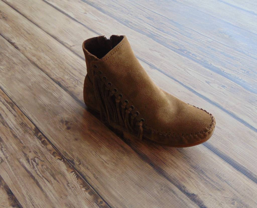 "Minnetonka Moccasins ""Willow Boot"""